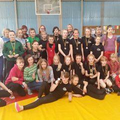 Anykščių imtynininkės sėkmingai pasirodė turnyre Šiauliuose (FOTO)