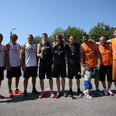 """Krepšinio turnyre 3×3 triumfavo žvaigždes palaužusi """"Taifūno"""" ekipa (FOTO)"""